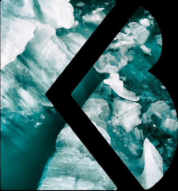 Het icoon van Martens & Brijs met een doorgedrukte blauw reliëf erin, dat lijkt op stenen,